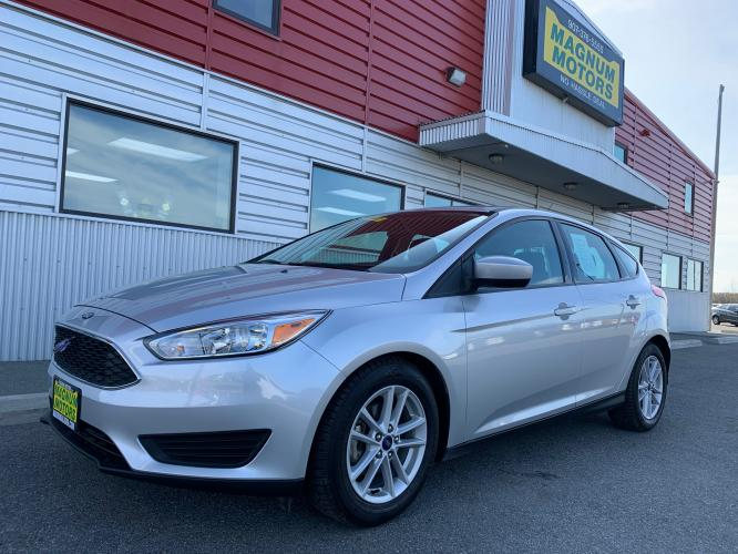 2018 Silver /black Ford Focus SE Hatch (1FADP3K29JL) with an 2.0L L4 DOHC 16V engine, Auto transmission, located at 1960 Industrial Drive, Wasilla, AK, 99654, (907) 376-5555, 61.573475, -149.400146 - Photo #0