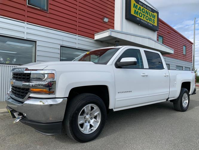 2017 White /Black Chevrolet Silverado 1500 LT Crew Cab 4WD (3GCUKREC6HG) with an 5.3L V8 OHV 16V engine, 6A transmission, located at 1960 Industrial Drive, Wasilla, AK, 99654, (907) 376-5555, 61.573475, -149.400146 - Photo #0