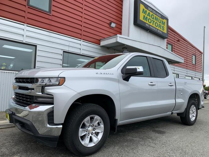 2020 Silver /Black Chevrolet Silverado 1500 LT Double Cab 4WD (1GCRYDED3LZ) with an 5.3L V8 OHV 16V engine, 6A transmission, located at 1960 Industrial Drive, Wasilla, AK, 99654, (907) 376-5555, 61.573475, -149.400146 - Photo #0
