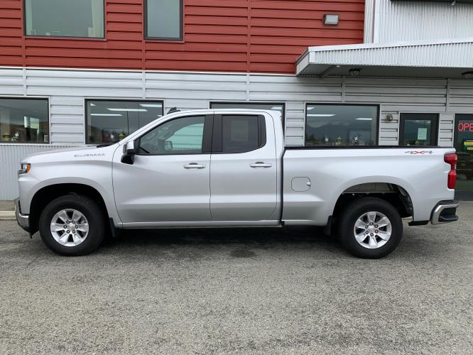 2020 Silver /Black Chevrolet Silverado 1500 LT Double Cab 4WD (1GCRYDED3LZ) with an 5.3L V8 OHV 16V engine, 6A transmission, located at 1960 Industrial Drive, Wasilla, AK, 99654, (907) 376-5555, 61.573475, -149.400146 - Photo #2