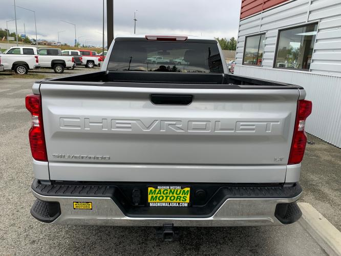 2020 Silver /Black Chevrolet Silverado 1500 LT Double Cab 4WD (1GCRYDED3LZ) with an 5.3L V8 OHV 16V engine, 6A transmission, located at 1960 Industrial Drive, Wasilla, AK, 99654, (907) 376-5555, 61.573475, -149.400146 - Photo #4