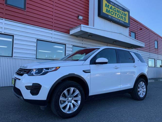 2019 White /Black Land Rover Discovery Sport SE (SALCP2FX0KH) with an 2.0L L4 DOHC 16V engine, 9A transmission, located at 1960 Industrial Drive, Wasilla, AK, 99654, (907) 376-5555, 61.573475, -149.400146 - Photo #0