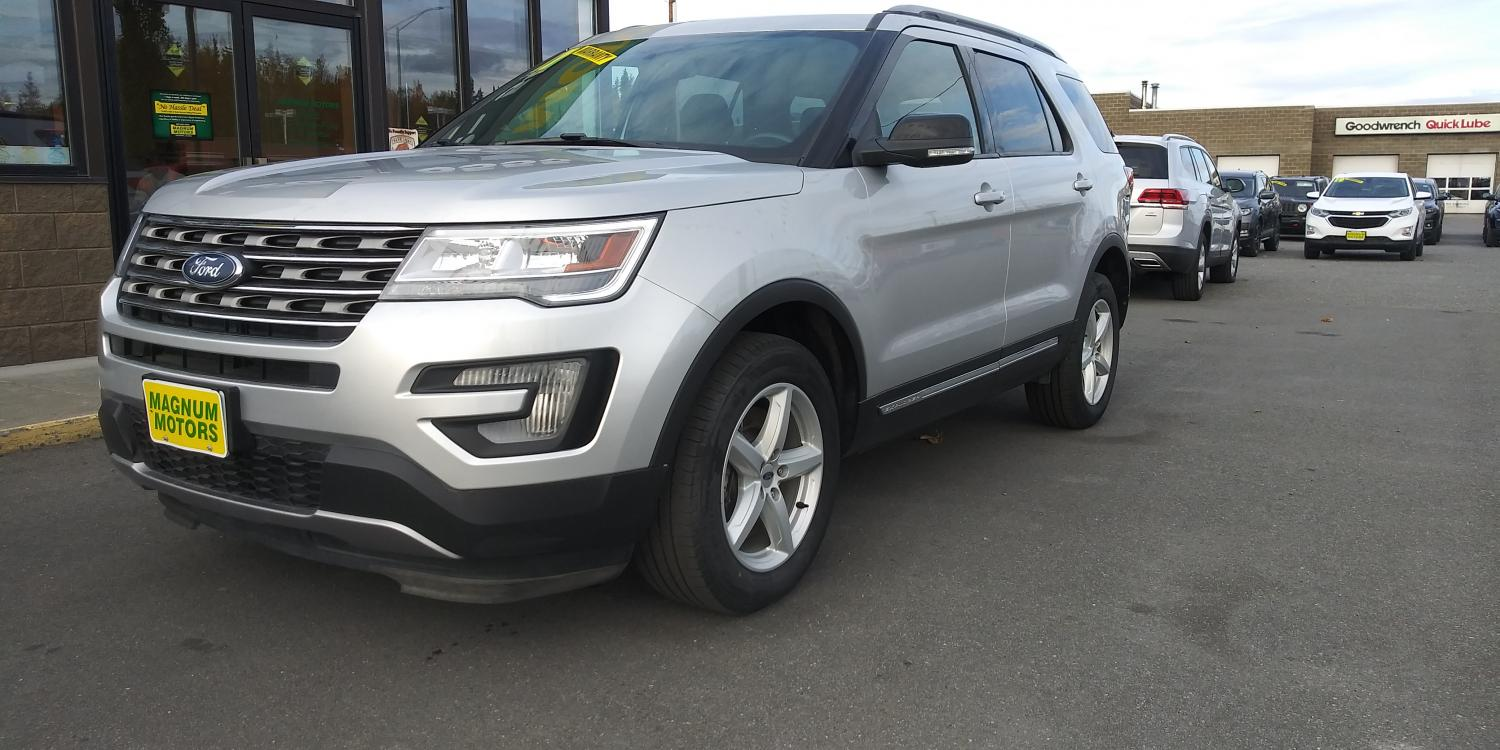 2017 Silver Ford Explorer XLT 4WD (1FM5K8D83HG) with an 3.5L V6 DOHC 24V engine, 6A transmission, located at 44152 Sterling Highway, Soldotna, 99669, (907) 262-5555, 60.484917, -151.062408 - Photo #0
