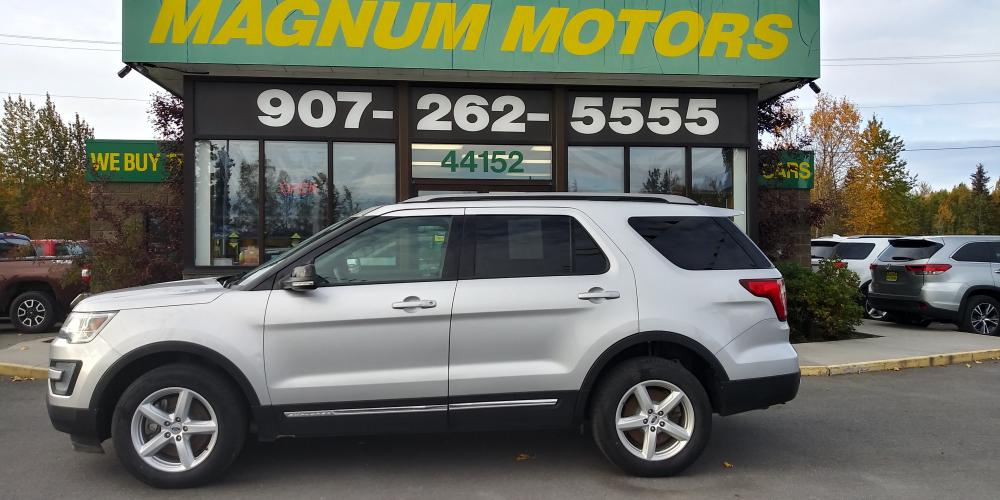2017 Silver Ford Explorer XLT 4WD (1FM5K8D83HG) with an 3.5L V6 DOHC 24V engine, 6A transmission, located at 44152 Sterling Highway, Soldotna, AK, 99669, (907) 262-5555, 60.484917, -151.062408 - Photo #1