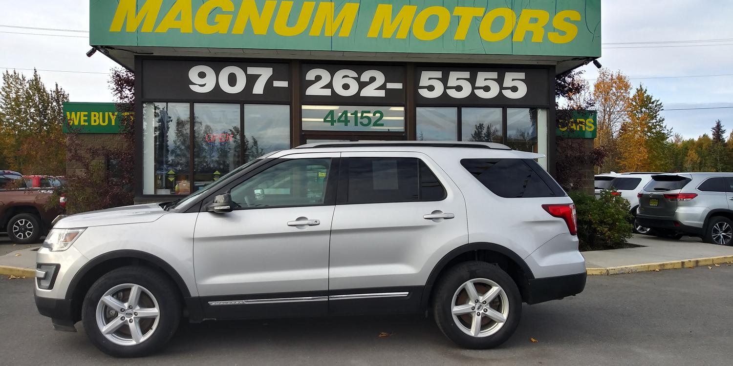 2017 Silver Ford Explorer XLT 4WD (1FM5K8D83HG) with an 3.5L V6 DOHC 24V engine, 6A transmission, located at 44152 Sterling Highway, Soldotna, 99669, (907) 262-5555, 60.484917, -151.062408 - Photo #1