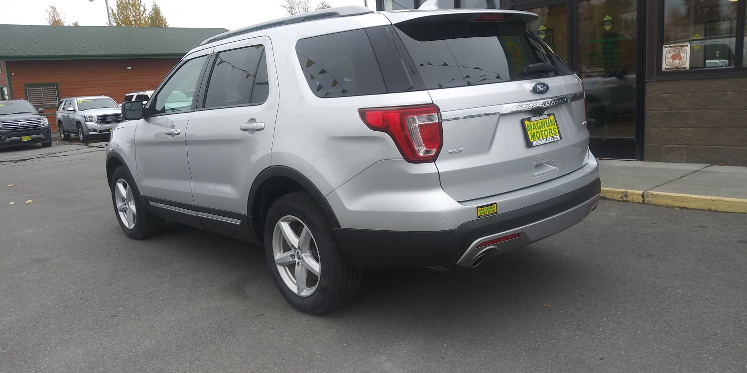 2017 Silver Ford Explorer XLT 4WD (1FM5K8D83HG) with an 3.5L V6 DOHC 24V engine, 6A transmission, located at 44152 Sterling Highway, Soldotna, 99669, (907) 262-5555, 60.484917, -151.062408 - Photo #2