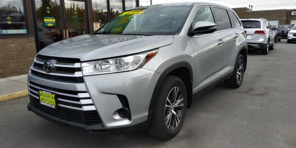 2019 Silver Toyota Highlander LE Plus AWD V6 (5TDBZRFH1KS) with an 3.5L V6 DOHC 24V engine, 6A transmission, located at 44152 Sterling Highway, Soldotna, AK, 99669, (907) 262-5555, 60.484917, -151.062408 - Photo #0