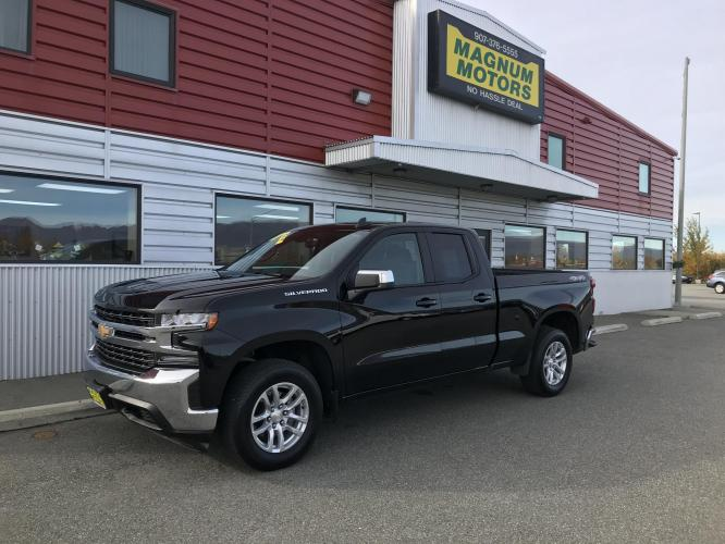 2020 Black /charcoal Chevrolet Silverado 1500 LT Double Cab 4WD (1GCRYDED7LZ) with an 5.3L V8 OHV 16V engine, 6A transmission, located at 1960 Industrial Drive, Wasilla, AK, 99654, (907) 376-5555, 61.573475, -149.400146 - Photo #0