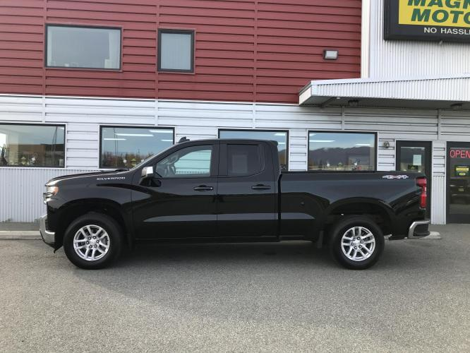 2020 Black /charcoal Chevrolet Silverado 1500 LT Double Cab 4WD (1GCRYDED7LZ) with an 5.3L V8 OHV 16V engine, 6A transmission, located at 1960 Industrial Drive, Wasilla, AK, 99654, (907) 376-5555, 61.573475, -149.400146 - Photo #1