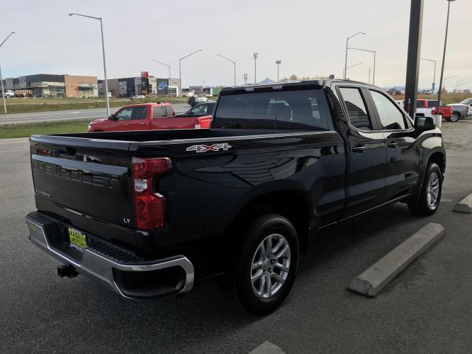 2020 Black /charcoal Chevrolet Silverado 1500 LT Double Cab 4WD (1GCRYDED7LZ) with an 5.3L V8 OHV 16V engine, 6A transmission, located at 1960 Industrial Drive, Wasilla, AK, 99654, (907) 376-5555, 61.573475, -149.400146 - Photo #4