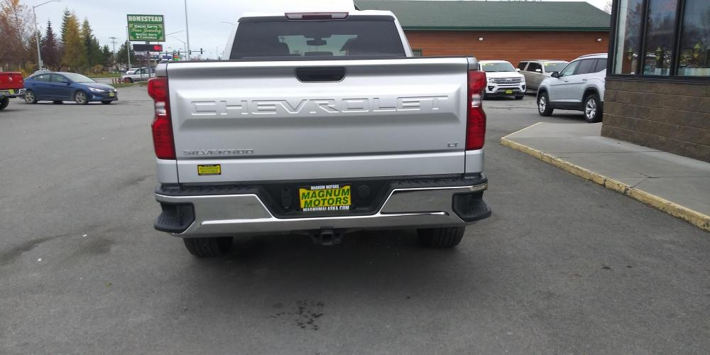 2020 Silver Chevrolet Silverado 1500 LT Double Cab 4WD (1GCRYDED1LZ) with an 5.3L V8 OHV 16V engine, 6A transmission, located at 44152 Sterling Highway, Soldotna, AK, 99669, (907) 262-5555, 60.484917, -151.062408 - Photo #3