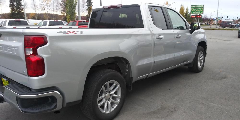 2020 Silver Chevrolet Silverado 1500 LT Double Cab 4WD (1GCRYDED1LZ) with an 5.3L V8 OHV 16V engine, 6A transmission, located at 44152 Sterling Highway, Soldotna, AK, 99669, (907) 262-5555, 60.484917, -151.062408 - Photo #5