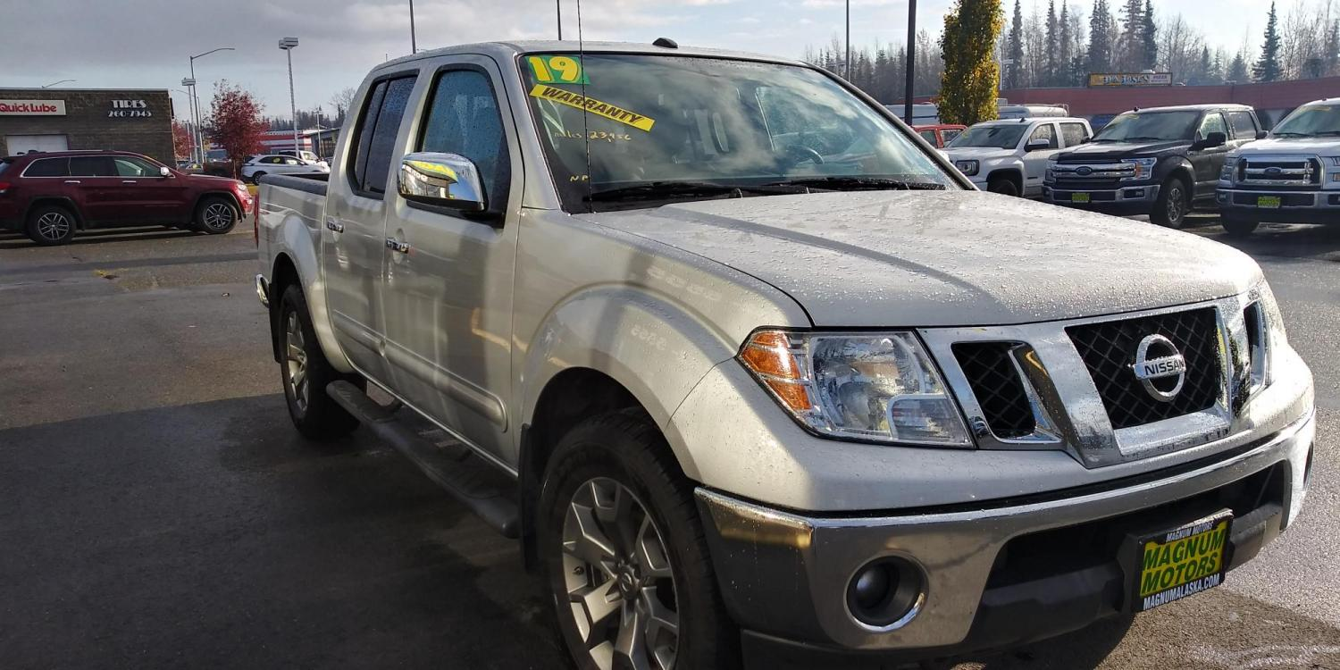 2019 Silver Nissan Frontier SL Crew Cab 5AT 4WD (1N6AD0EV0KN) with an 4.0L V6 DOHC 24V engine, 5A transmission, located at 44152 Sterling Highway, Soldotna, 99669, (907) 262-5555, 60.484917, -151.062408 - Photo #8