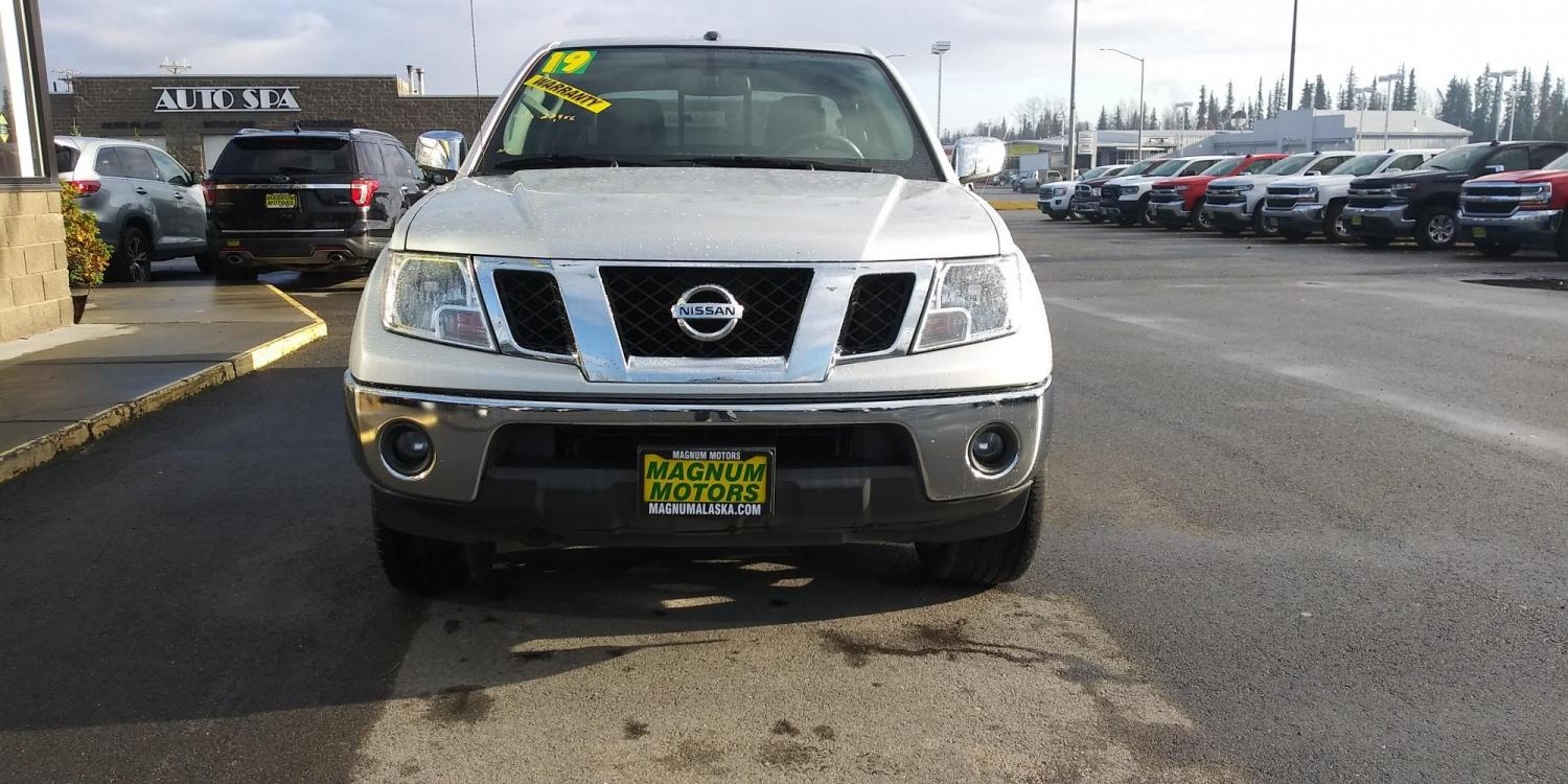 2019 Silver Nissan Frontier SL Crew Cab 5AT 4WD (1N6AD0EV0KN) with an 4.0L V6 DOHC 24V engine, 5A transmission, located at 44152 Sterling Highway, Soldotna, 99669, (907) 262-5555, 60.484917, -151.062408 - Photo #9