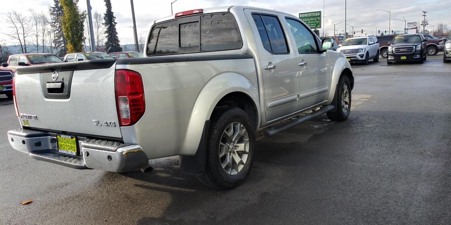 2019 Silver Nissan Frontier SL Crew Cab 5AT 4WD (1N6AD0EV0KN) with an 4.0L V6 DOHC 24V engine, 5A transmission, located at 44152 Sterling Highway, Soldotna, 99669, (907) 262-5555, 60.484917, -151.062408 - Photo #6