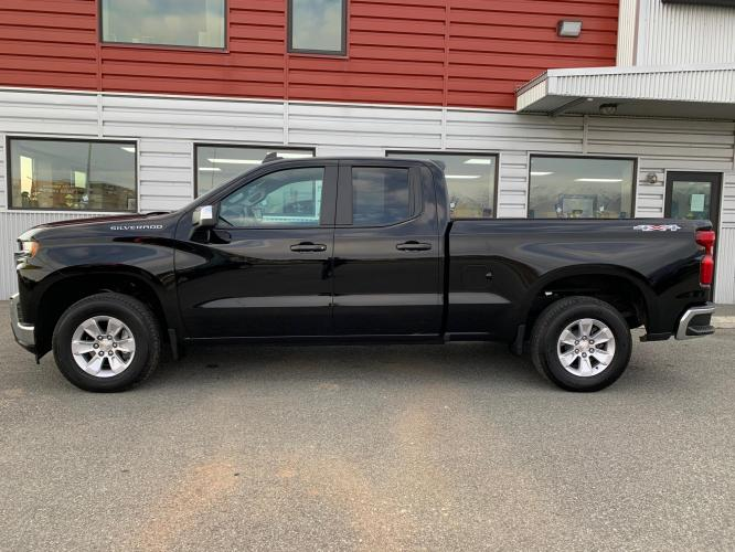 2020 Black /Black Chevrolet Silverado 1500 LT Double Cab 4WD (1GCRYDED7LZ) with an 5.3L V8 OHV 16V engine, 6A transmission, located at 1960 Industrial Drive, Wasilla, AK, 99654, (907) 376-5555, 61.573475, -149.400146 - Photo #2