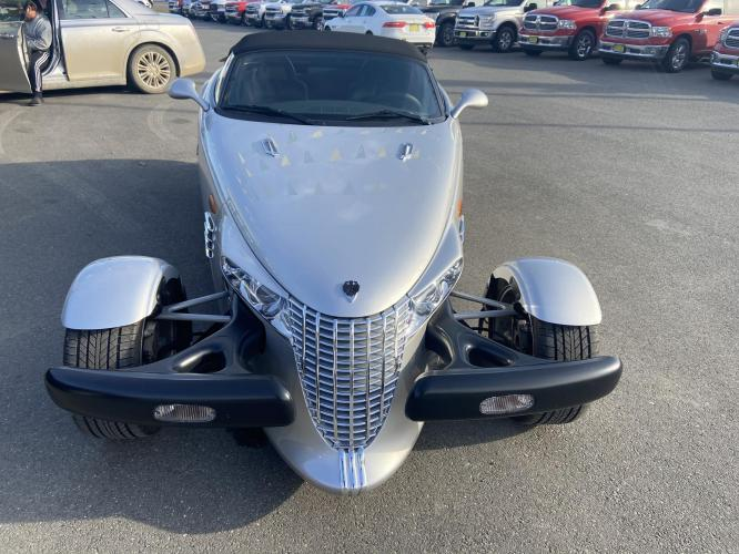 2000 Silver /Black Plymouth Prowler Base (1P3EW65G0YV) with an 3.5L V6 SOHC 24V engine, 4-Speed Automatic Overdrive transmission, located at 44152 Sterling Highway, Soldotna, AK, 99669, (907) 262-5555, 60.484917, -151.062408 - Photo #0