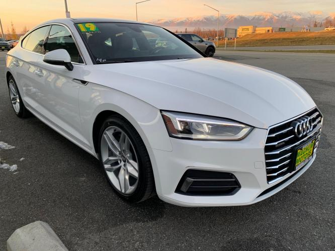 2019 White /Black Audi A5 Premium Sportback quattro (WAUANCF55KA) with an 2.0L L4 DOHC 16V TURBO engine, 7A transmission, located at 1960 Industrial Drive, Wasilla, AK, 99654, (907) 376-5555, 61.573475, -149.400146 - Photo #5