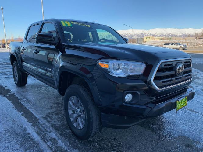 2019 Black /Black Toyota Tacoma SR5 Double Cab V6 4WD (3TMCZ5AN9KM) with an 3.6L V6 DOHC 24V engine, 6A transmission, located at 1960 Industrial Drive, Wasilla, AK, 99654, (907) 376-5555, 61.573475, -149.400146 - Photo #6
