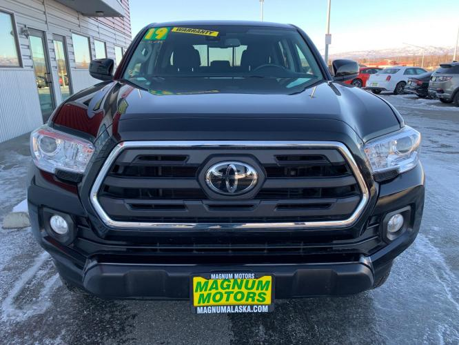 2019 Black /Black Toyota Tacoma SR5 Double Cab V6 4WD (3TMCZ5AN9KM) with an 3.6L V6 DOHC 24V engine, 6A transmission, located at 1960 Industrial Drive, Wasilla, AK, 99654, (907) 376-5555, 61.573475, -149.400146 - Photo #7