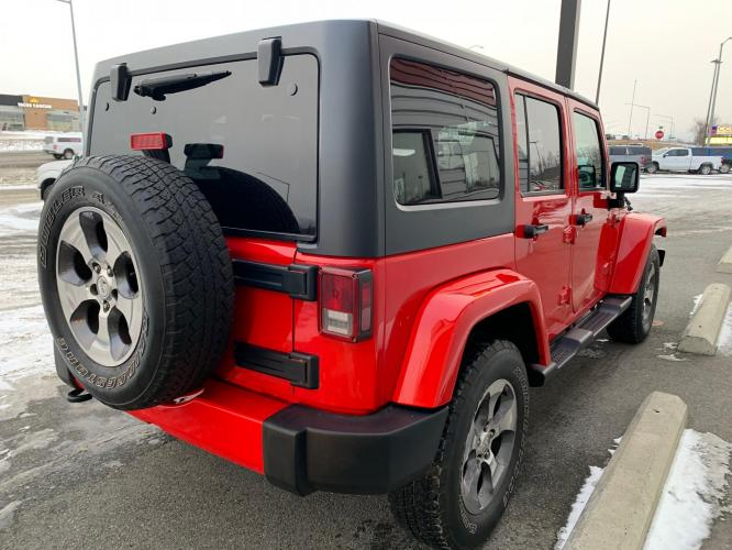 2018 Red /Black Jeep Wrangler Unlimited Sahara 4WD (1C4HJWEG3JL) with an 3.6L V6 DOHC 24V FFV engine, Automatic transmission, located at 44152 Sterling Highway, Soldotna, AK, 99669, (907) 262-5555, 60.484917, -151.062408 - Photo #5