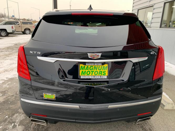 2019 Black /Black Cadillac XT5 Premium Luxury (1GYKNERS2KZ) with an 3.6L V6 DOHC 24V engine, 8A transmission, located at 44152 Sterling Highway, Soldotna, AK, 99669, (907) 262-5555, 60.484917, -151.062408 - Photo #4