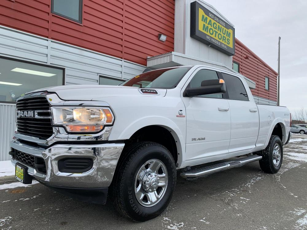 2020 White /Gray RAM 2500 Big Horn Crew Cab SWB 4WD (3C6UR5DL0LG) with an 6.7L L6 OHV 24V TURBO DIESEL engine, 6A transmission, located at 1960 Industrial Drive, Wasilla, AK, 99654, (907) 376-5555, 61.573475, -149.400146 - Photo #0