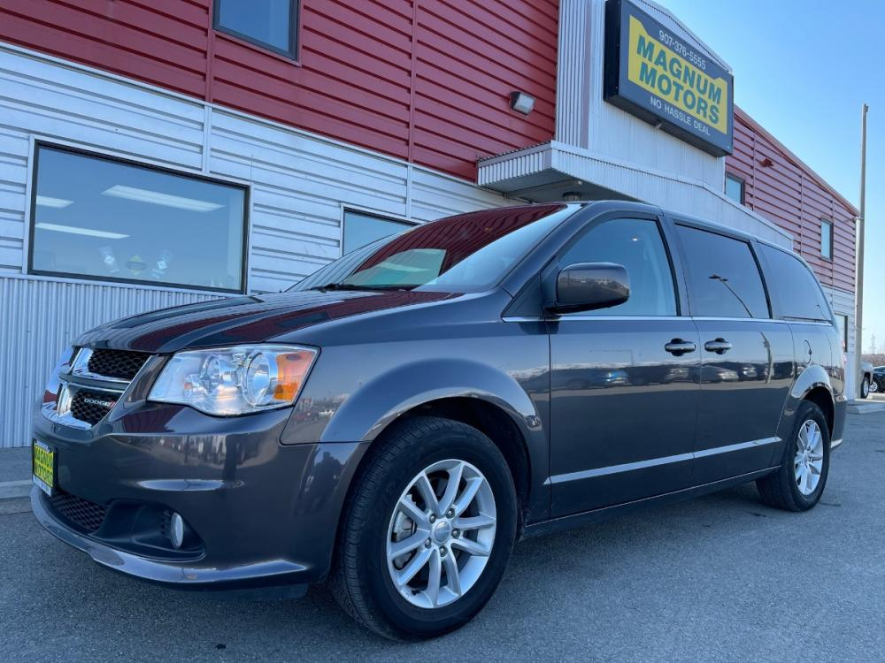 2019 Gray /Black Dodge Grand Caravan SXT (2C4RDGCG3KR) with an 3.6L V6 DOHC 24V engine, 6A transmission, located at 1960 Industrial Drive, Wasilla, AK, 99654, (907) 376-5555, 61.573475, -149.400146 - Photo #0