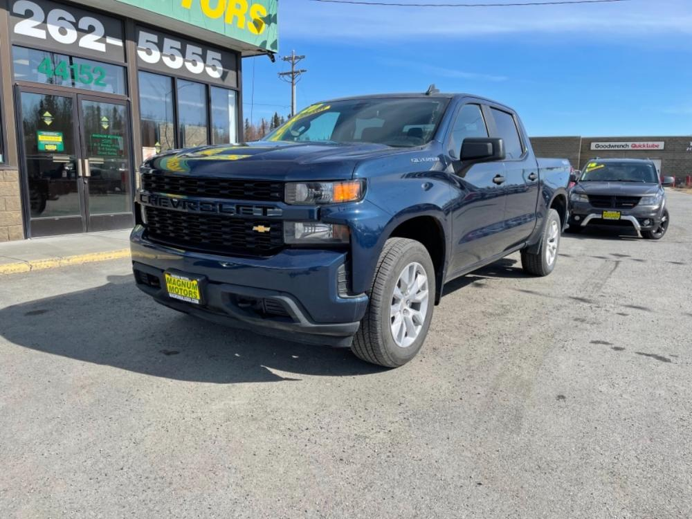 2020 Blue /JET BLACK Chevrolet Silverado 1500 Custom Crew Cab Short Box 4WD (3GCPYBEK9LG) with an 2.7L L4 DOHC 16V TURBO engine, 6A transmission, located at 44152 Sterling Highway, Soldotna, 99669, (907) 262-5555, 60.484917, -151.062408 - Photo #0
