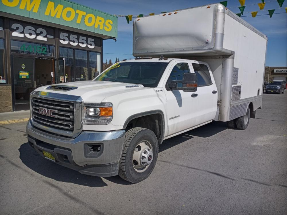 2019 White GMC Sierra 3500HD Base Crew Cab 4WD (1GD42TCY8KF) with an 6.6L V8 OHV 16 DIESEL engine, 6A transmission, located at 44152 Sterling Highway, Soldotna, 99669, (907) 262-5555, 60.484917, -151.062408 - Photo #0