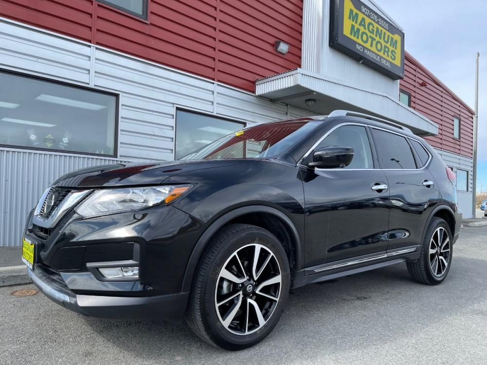 2019 Black /Black Nissan Rogue SL AWD (5N1AT2MV4KC) with an 2.5L L4 DOHC 16V engine, CVT transmission, located at 1960 Industrial Drive, Wasilla, AK, 99654, (907) 376-5555, 61.573475, -149.400146 - Photo #0